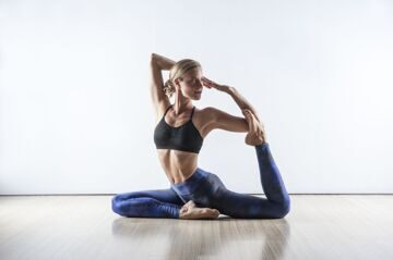 sports-blonde-barefoot-sitting-skinny-fitness-model-yoga-yoga-pants-sports-bra-stretching-arm-human-positions-physical-fitness-human-action-modern-dance-concert-dance-373603